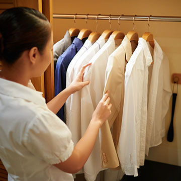 What cleaning services are offered at Cambria Hotel Columbus – Polaris?
